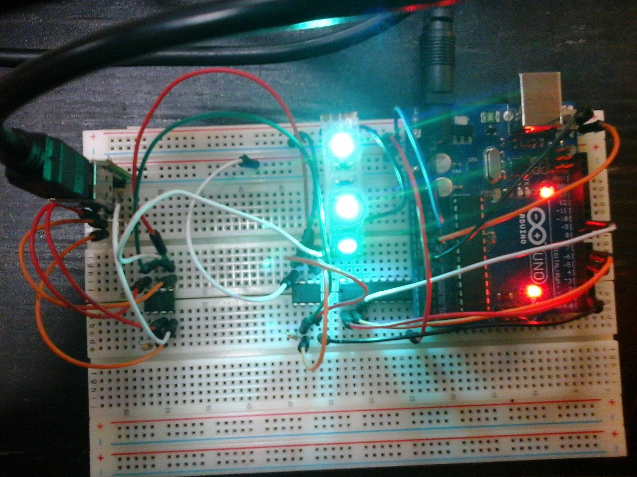 Arduino - Nie dzia�aj�cy uk�ad oparty na przyk�adach?