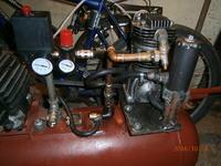 Kompresor samoróbka pompuje tylko do 0,3 MPa.