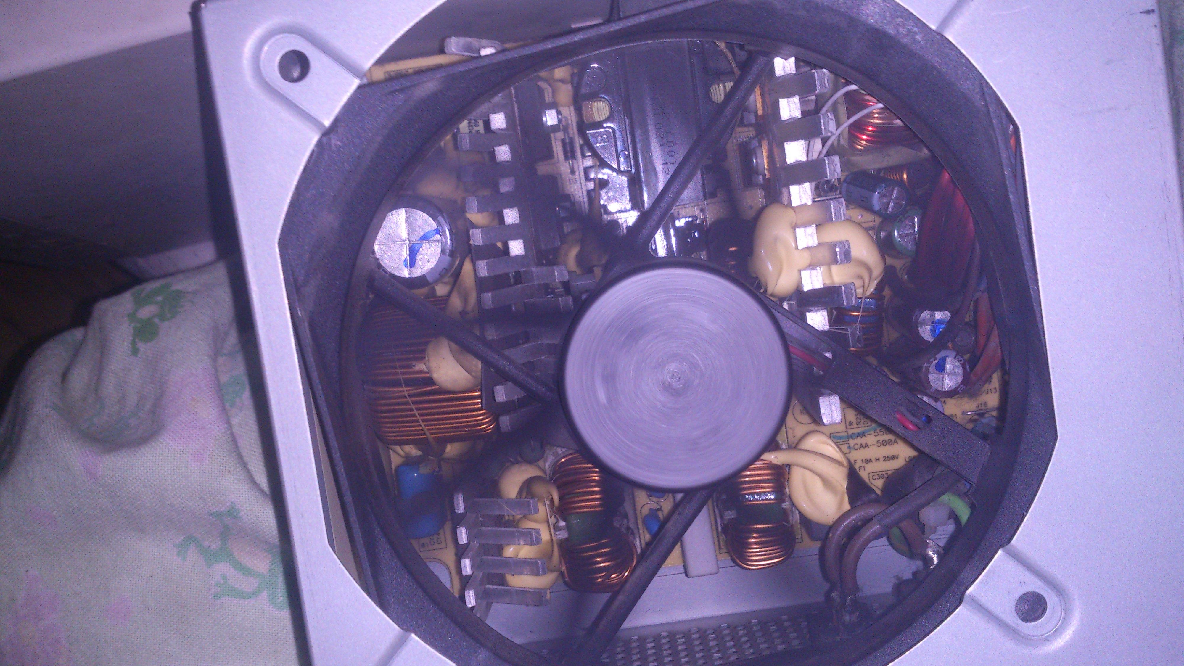 """CHIEFTEC GPS-550A - Komputer odmawia pos�usze�stwa i co� """"��tego"""" w z"""