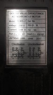 Kondesator ruchowy w kompresorze