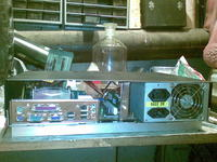 PC w nietypowej obudowie od magnetowidu