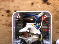 Klon Power Cube - rozdzielacz w kształcie kostki z zasilaczem USB [Schemat]