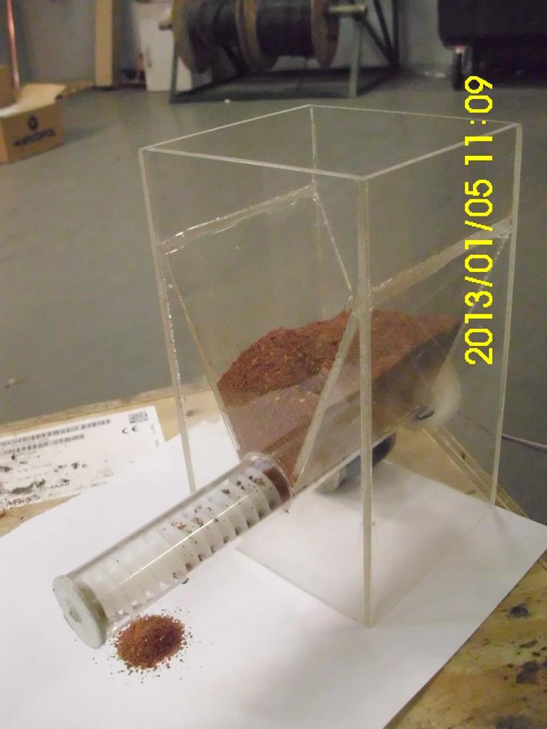 Kopia �limakowego podajnika pokarmu dla rybek
