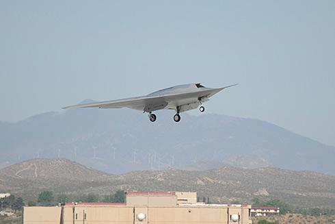 Pierwszy lot bezza�ogowego samolotu Boeing Phantom Ray wykonany