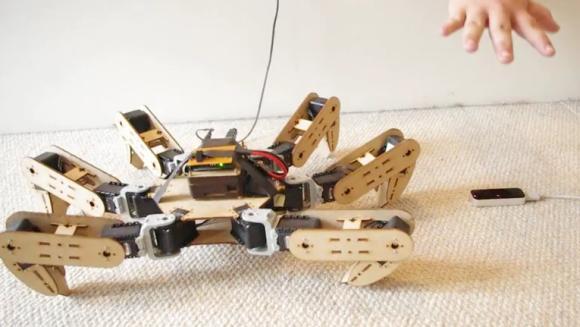 Sterowanie robota hexapod ruchem d�oni przez Leap Motion