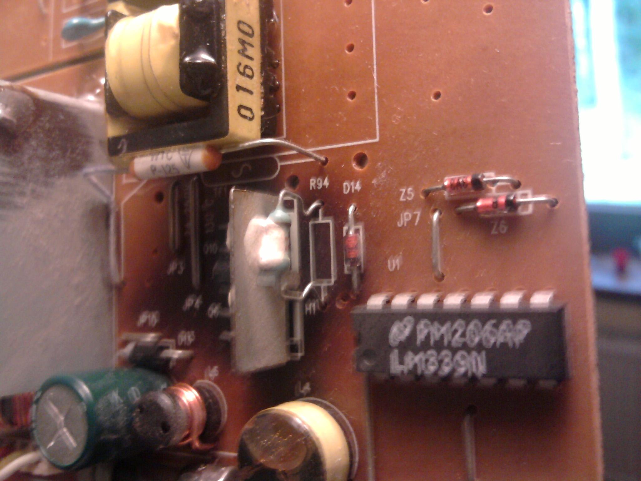 gateway FPD 1530 pod�wietlanie, przypalona p�ytka