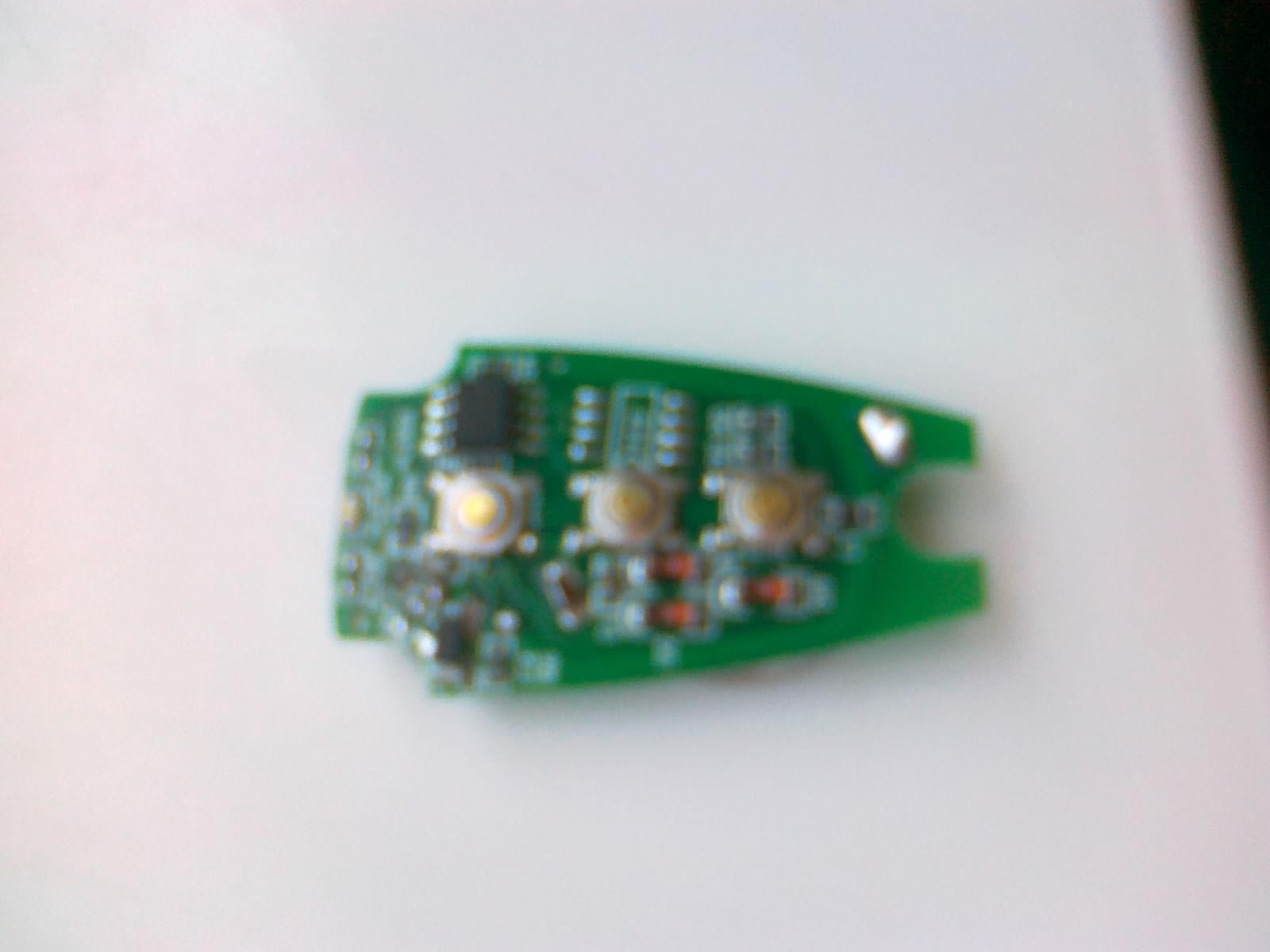 pomys� na przeniesienie elektroniki z pilota do�o�onego do scyzoryka