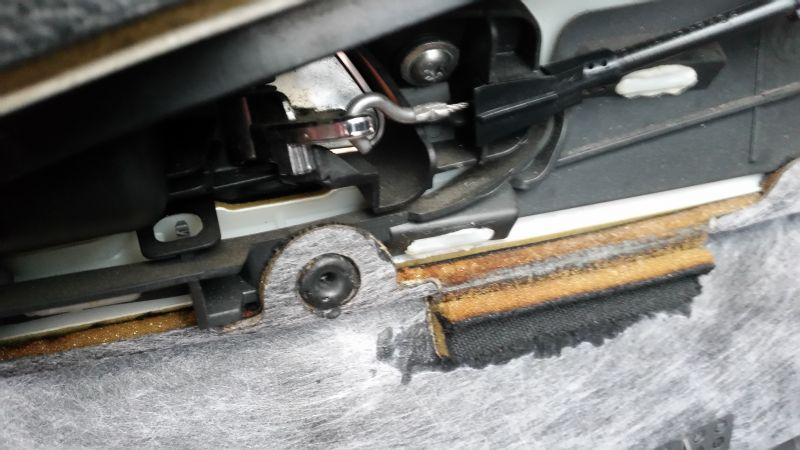 Volkswagen Passat b6 - Nie zakluczajace się drzwi kierowcy