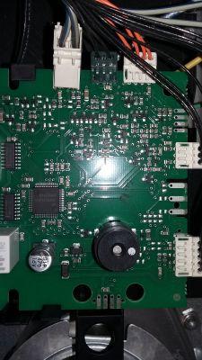 Siemens HB84K552 - Bateryjne podtrzymanie zegarka - Jak podłączyć?