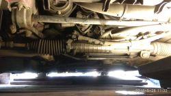 BMW E46, 316i 1999 - Wyciek płynu pod napinaczem paska klimatyzacji.