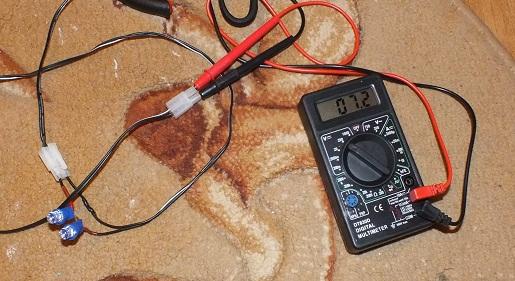 �adowanie baterii 8,4V �adowark� 7,2V