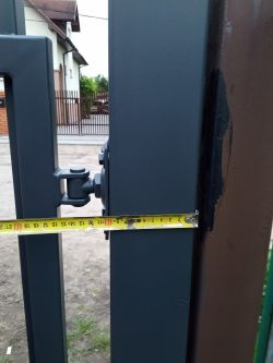 Brama dwuskrzydłowa - potrzebna porada dot. wyboru siłowników oraz wideodomofonu