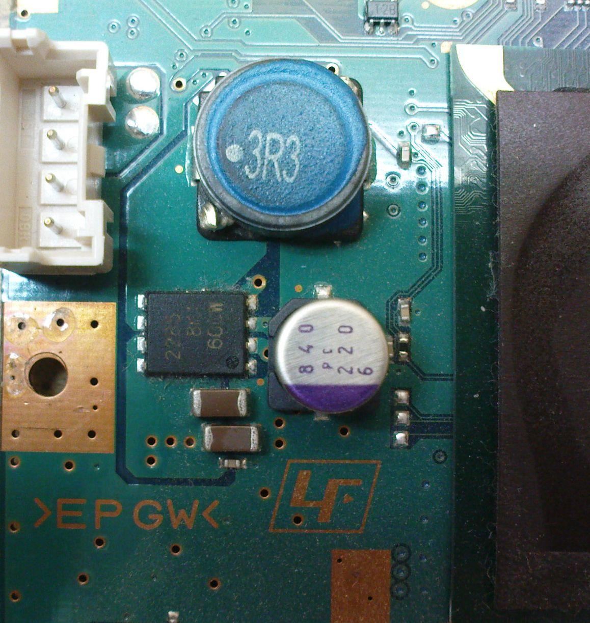 PlayStation 2 SCPH-90004 zawiesza si�.