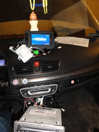 CLIO IIIph2 AFF A3 - nie moge sparowa� wy�wietlacza z radiem