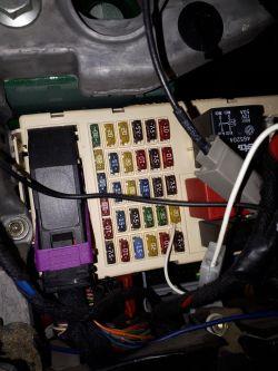 Vordon HT-869BT - Jak podłączyć radio Vordon w samochodzie