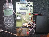 Odbiornik UHF 399-469MHz z wy�wietlaczem z Nokii 3310 na ATmega8