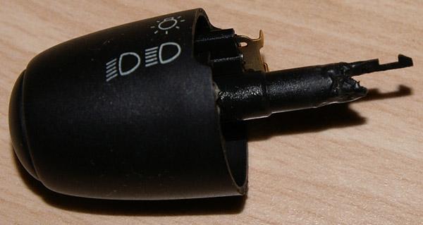 xsara II  -  demonta� w��cznika �wiate� (taki jak w peugeot 307)