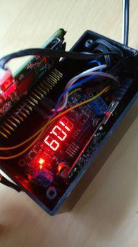 Fizyczny wyświetlacz stanu serwera