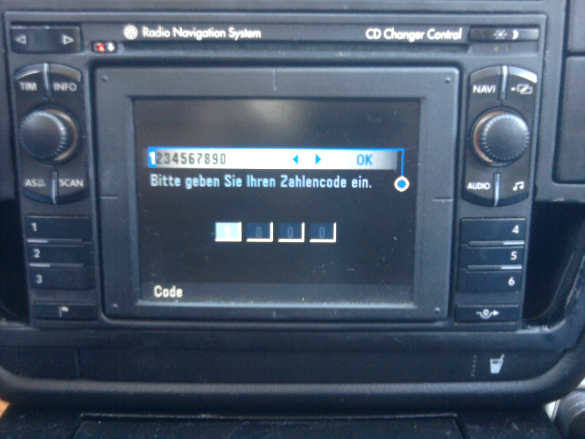 VW Passat B5 - Radio Nav. System MFD - Foto enkoder nie reaguje na wpisanie kodu