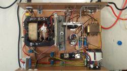 Prostownik do ładowania akumulatorów -falujące wskazania miernika