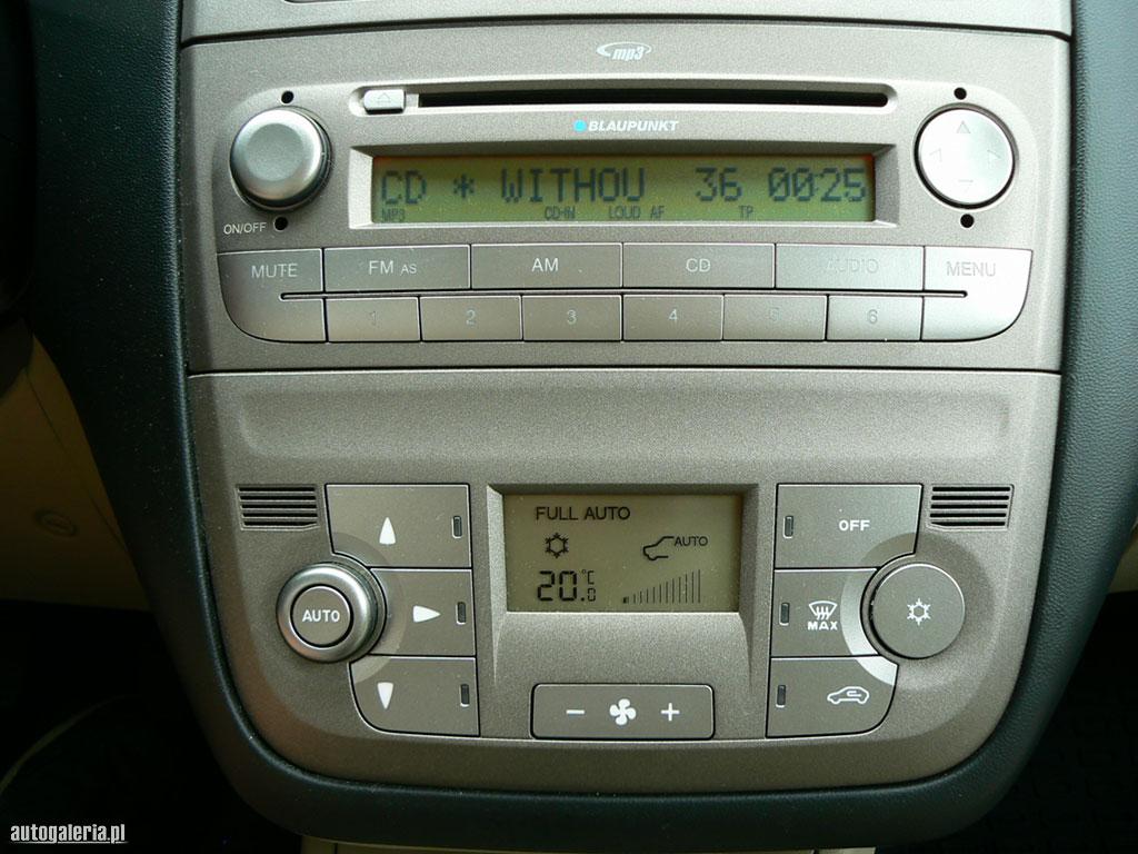 karaoke w samochodzie, mikrofon, wy�wietlany tekst