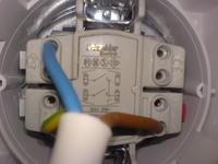 Włącznik zasilania pompy wody i oświetlenia