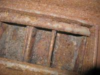 Grobelny KTM t�okowy - czyszczenie rusztu sitowego - demonta� zapieczonego ruszt