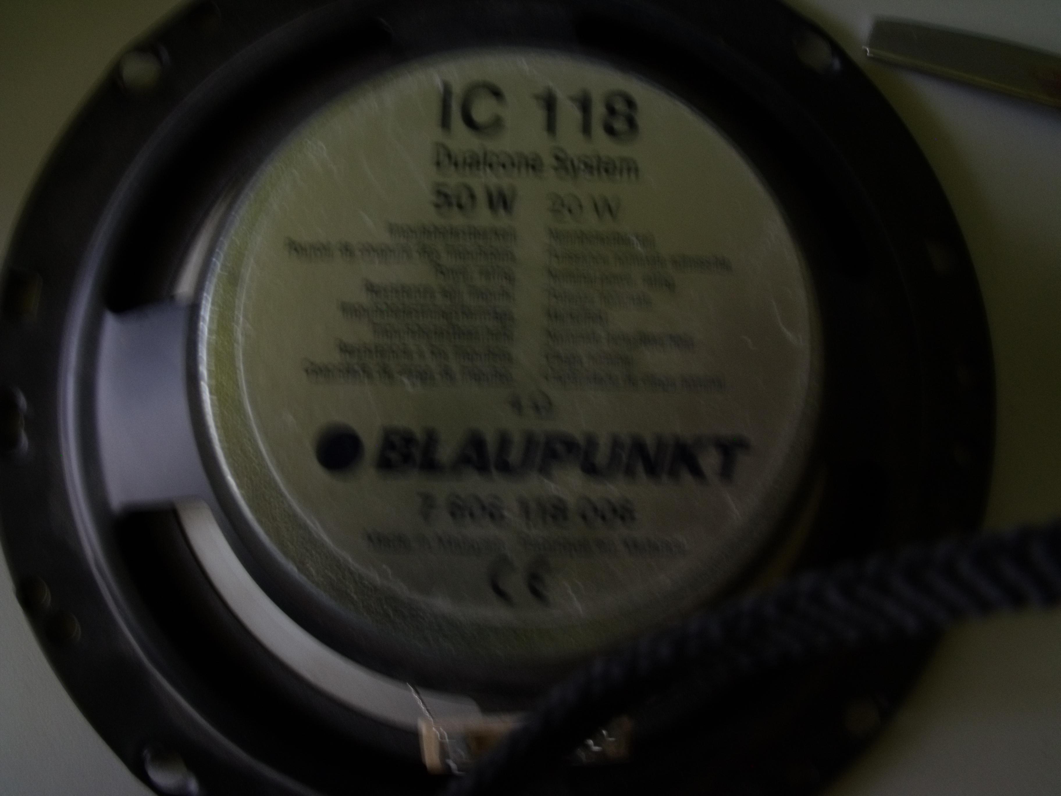 Zasilacz audio 2x100W zasilany z akumulatora 12V