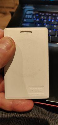 Jak skopiować kartę zbliżeniową HID