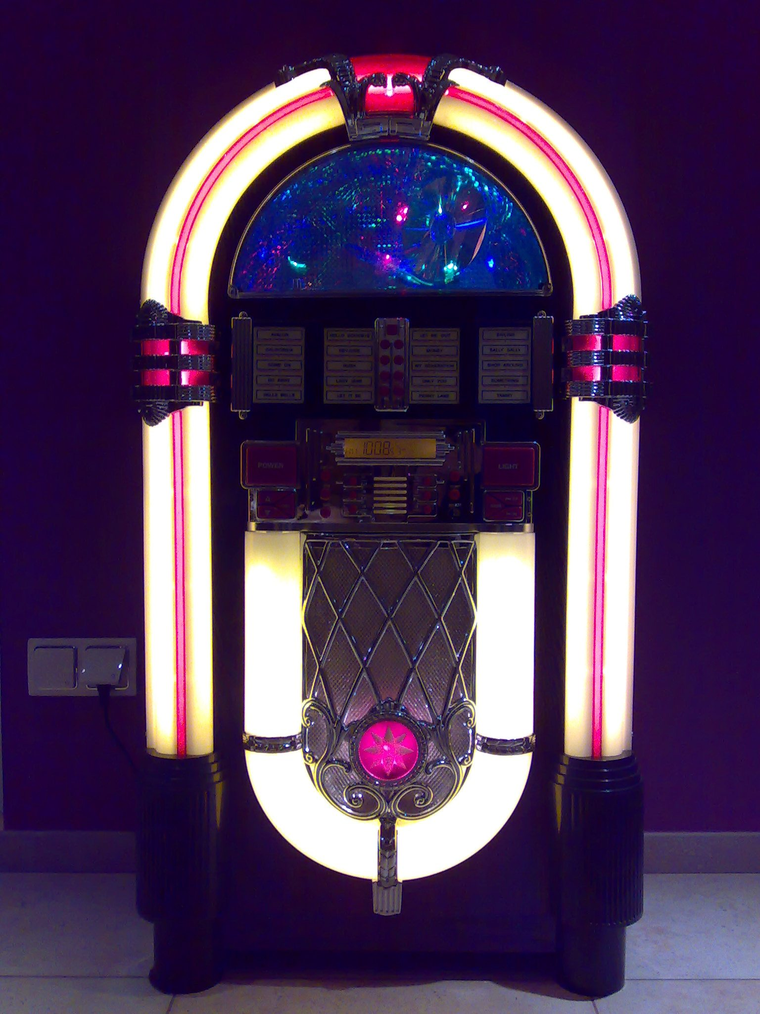 Elta 2761 N hollywood-10 jukebox o�wietlenie na STAND BY