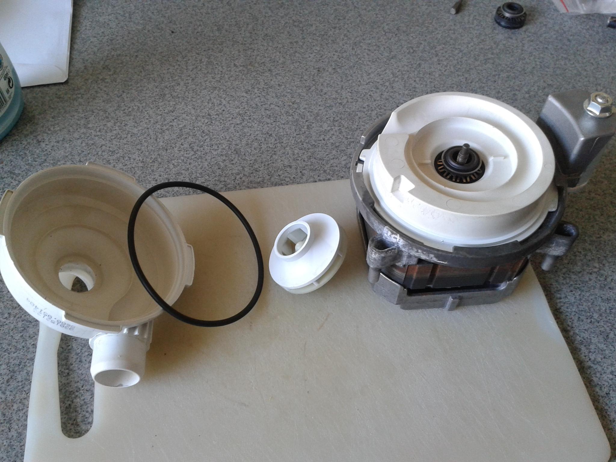 zmywarka BOSCH SGV46A13 ca�y d� w soli /nieszczelno�� uszczelki turbiny