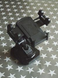 Uchwyty warsztatowe z fotograficznych statywów kulkowych