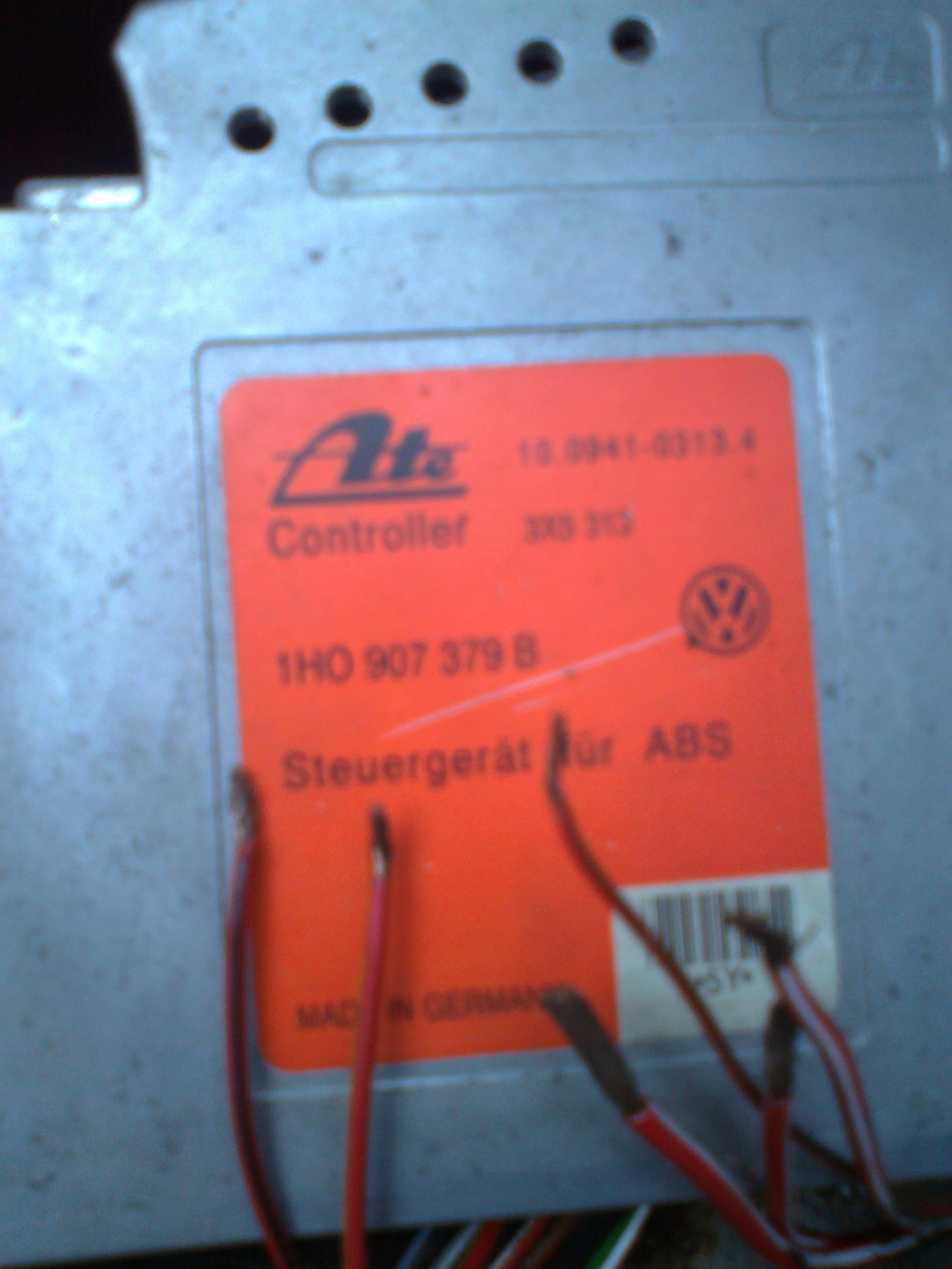 Szukam schematu pod�aczenia sterownika abs Golf III 1.8 benzyna 93 rok
