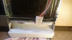Zmywarka Bosch SRS55M52EU/14 - Wylewa się woda na zewnątrz.