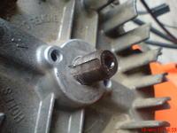 Nierówne obroty silnika w kosiarce.
