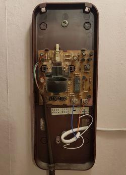 wymiana słuchawki domofonu w bloku
