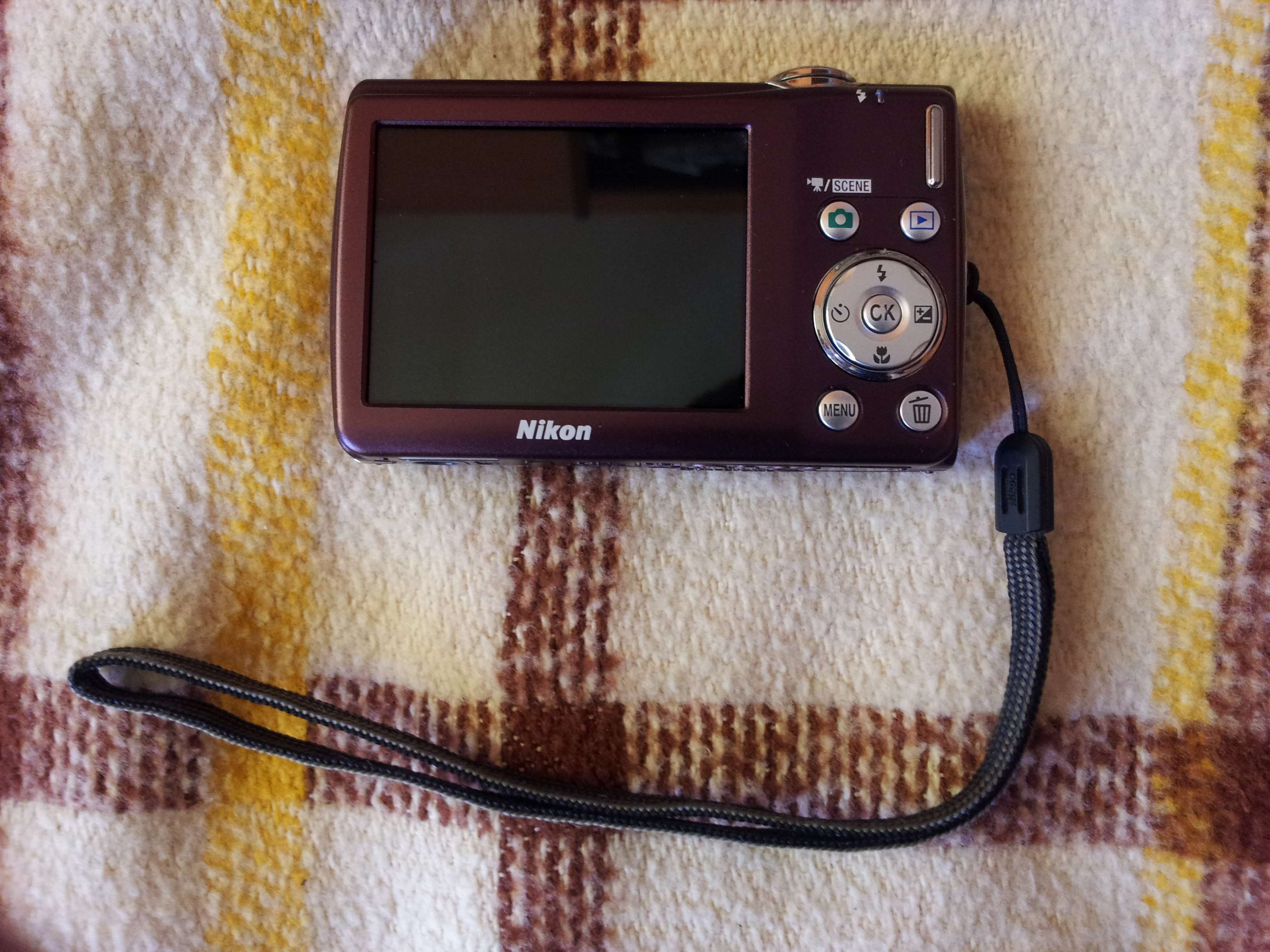 [Sprzedam] Aparat Nikon Coolpix S220