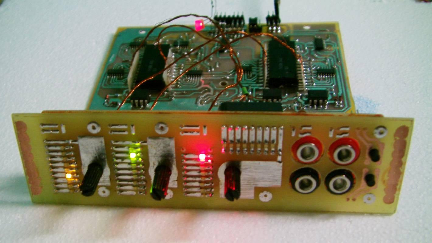 modu� 2 kana�owy PWM na uk�adach 74150