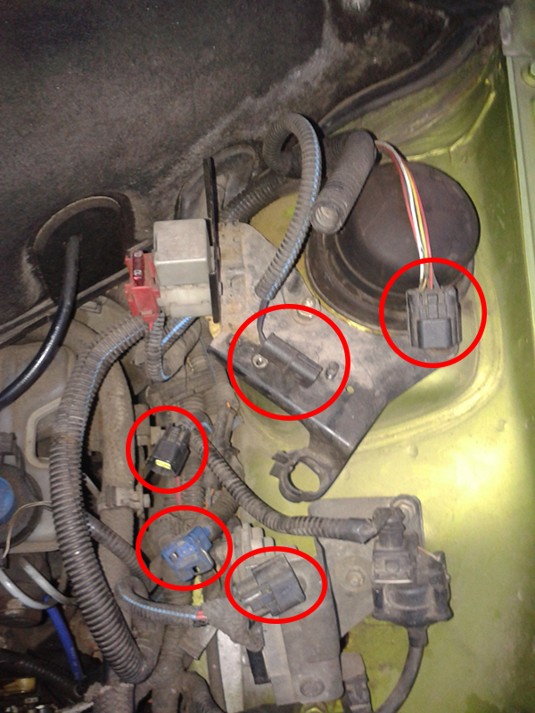 Fiat Cinquecento 700 Young - lu�ne kable w komorze silnika