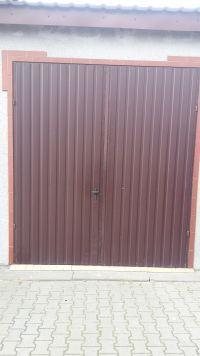 Napęd do drzwi garażowych dwuskrzydłowych - jaki zastosować?